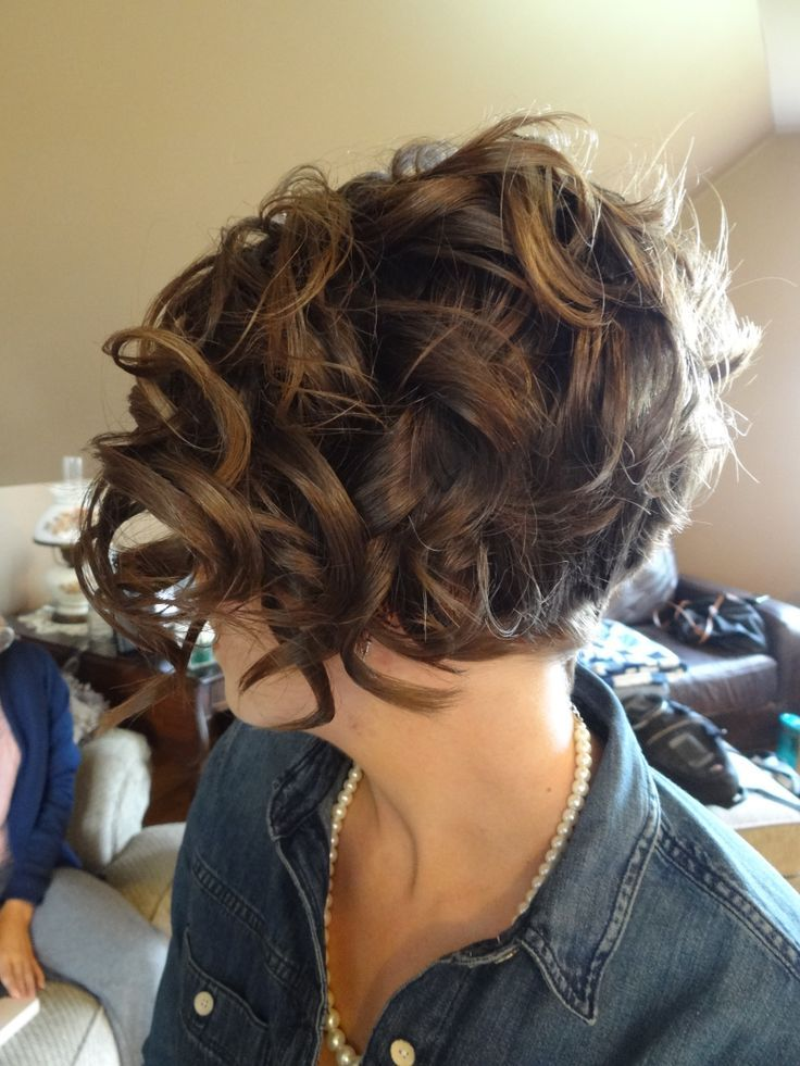 Curly Hairstyle For Short Hair 2018
